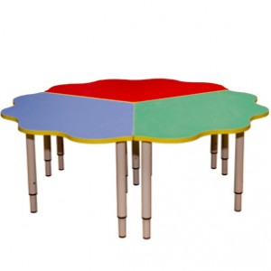 Стол детский Ромашка (рег. мет. ножки) 3-х секц.